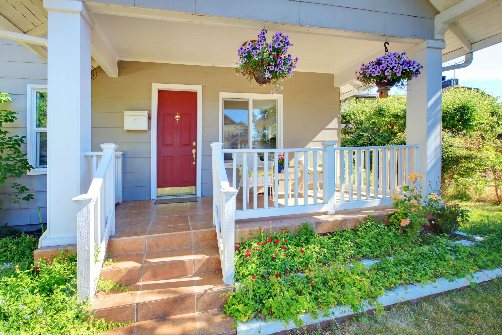Top Four Ways Your Home's Neighbors Affect Your Home's Value