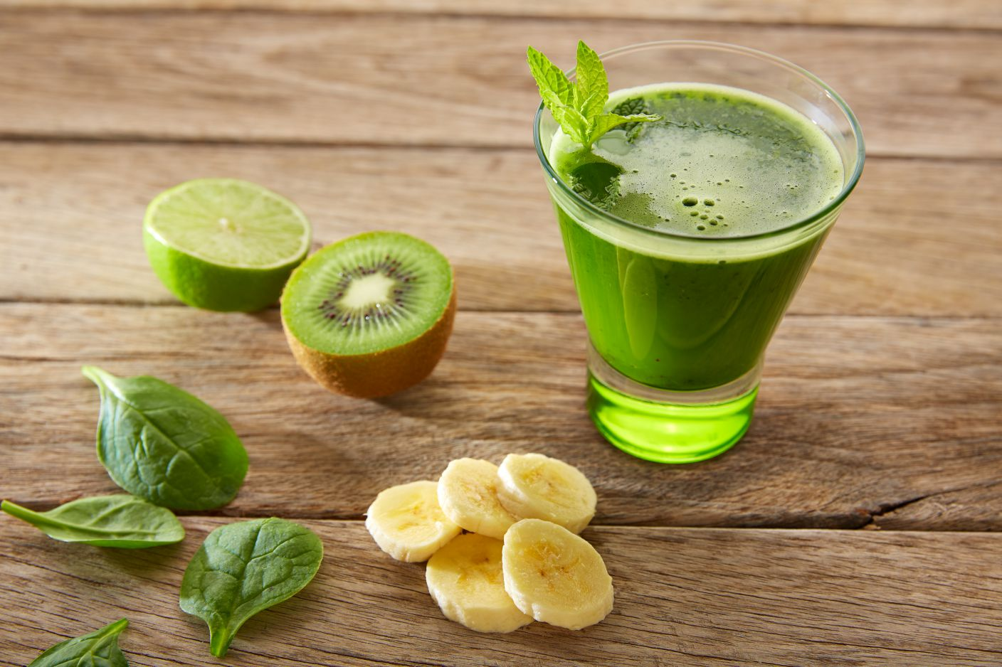 The difference between juice cleanse and water fasting image